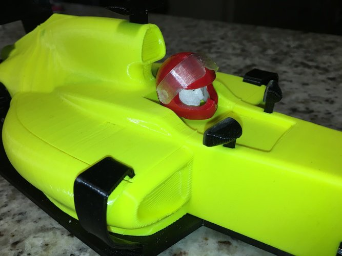 container_race-car-driver-and-helmet-3d-printing-63385